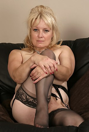 Mature Stockings Porn Pictures