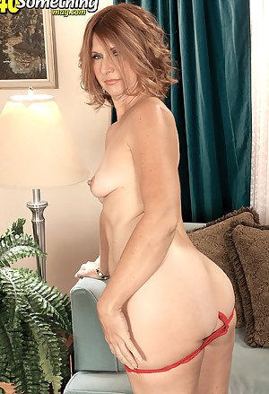 Mature Solo Porn Pictures
