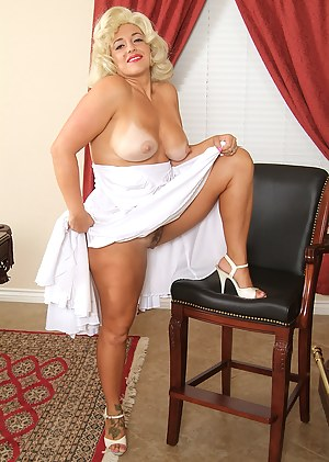 Pinup Mature Porn Pictures